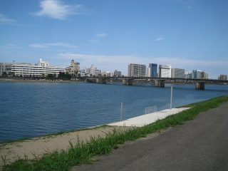 コブクロゆかりの地宮崎「大淀川沿い」